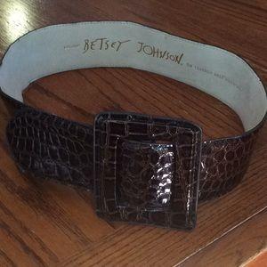 1990's Betsy Johnson Crocodile Brown Leather Belt